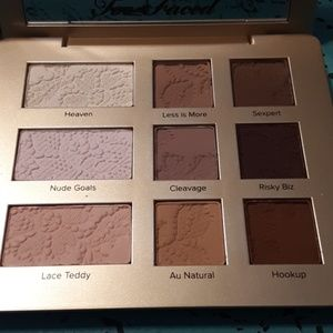 Too Faced matte eye shadow palette